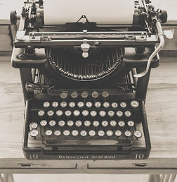 typewriter-vintage-old-vintage-typewrite