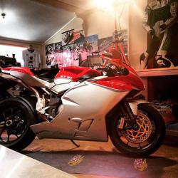 Show time at our café! 🙌_#believe #coffee #clouds #MotoGP #mechmoto #cafe #bikersofinstagram #rider