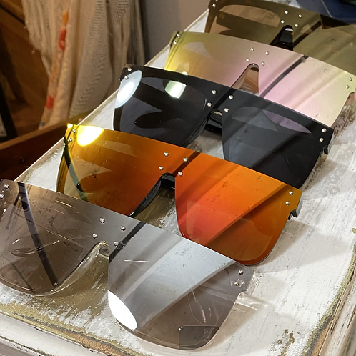 square mirrored sunglasses