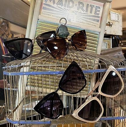 classic frame sunglasses
