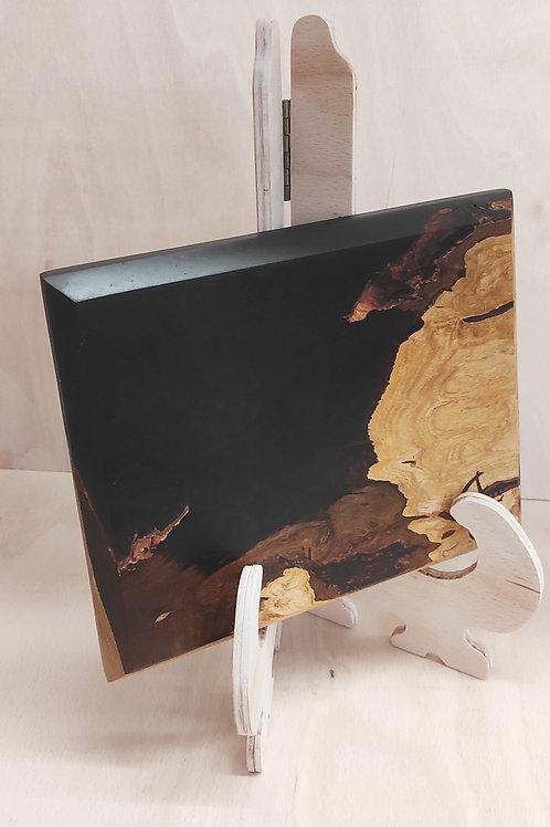 Prkénko z třešně a černé pryskyřice 25x20cm