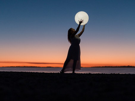 Moon Phases 101: How to align with the moon cycle