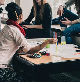 Miten osallistetaan 20 AMKia yhteisen koulutusvientisuunnitelman laadintaan viidessä tunnissa?