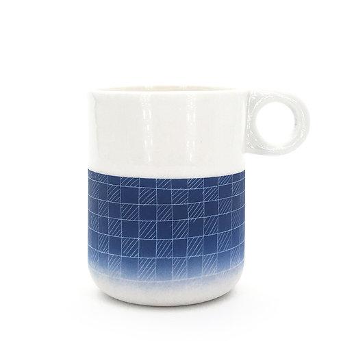 mug bleu foncé