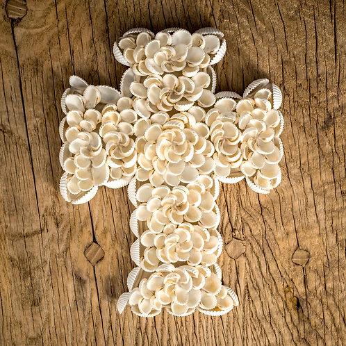 Croix en coquillages