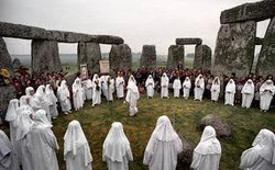 druid meeing at Stonehenge