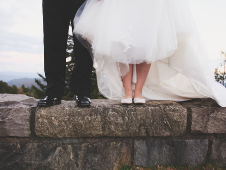 5 Tips for Hiring Your Wedding Photographer !!!