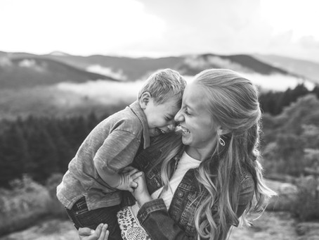 Lifestyle Family Photos vs Traditional?