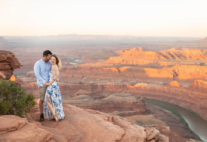 Moab Engagement photographers