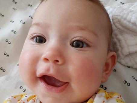 תקשורת של תינוקות - לא רק קשר עין