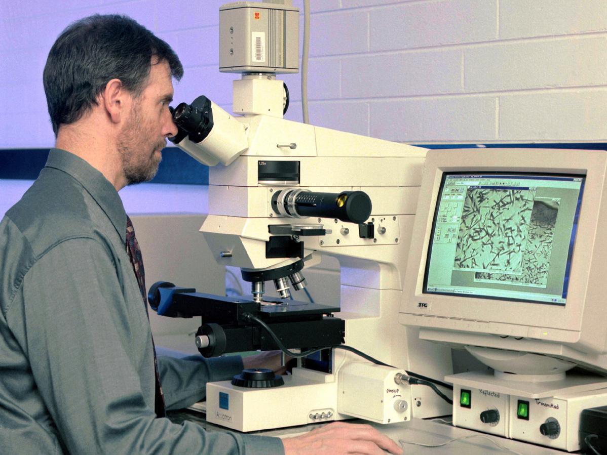 Andy Gleadow in fission track lab circa 1999