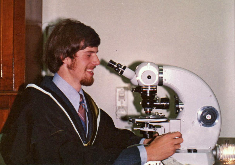 Andy Gleadow at FT Microscope Hons Gradn