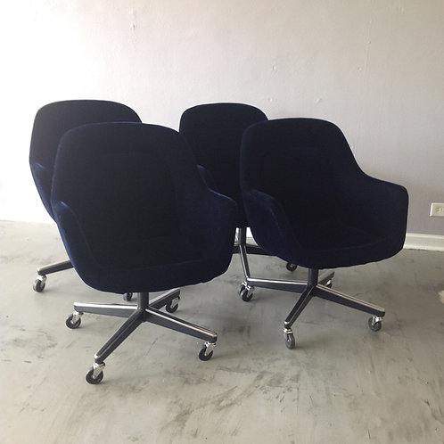 Set of 4 Max Pearson Knoll Executive Chairs
