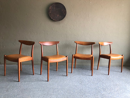 Set of 4 Hans Wegner W2 Dining Chairs