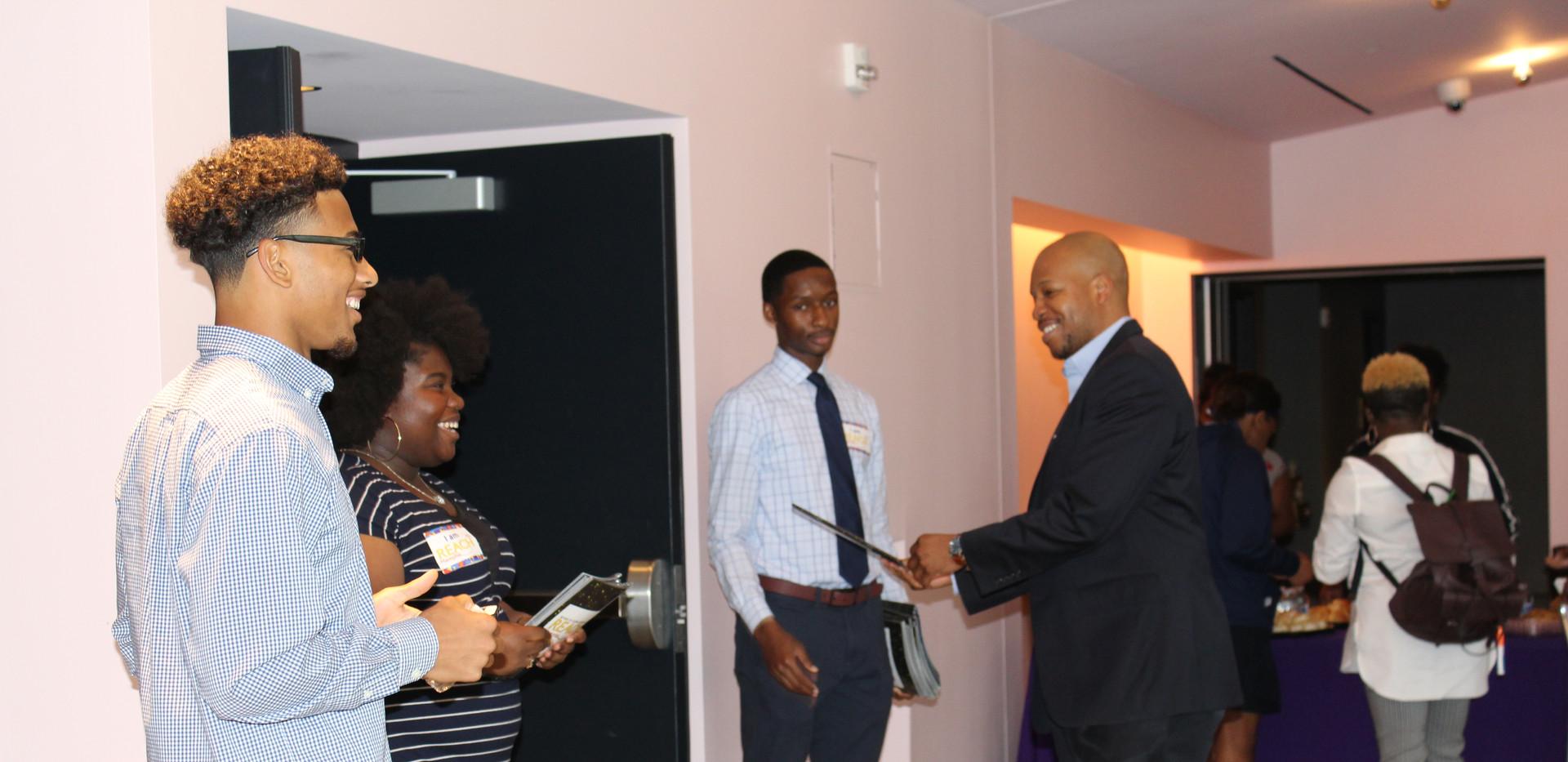 REACH Memphis Student Executive Board helping mentor inside