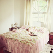 Bedroom with one bed