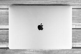 abstract-apple-art-434346.jpg