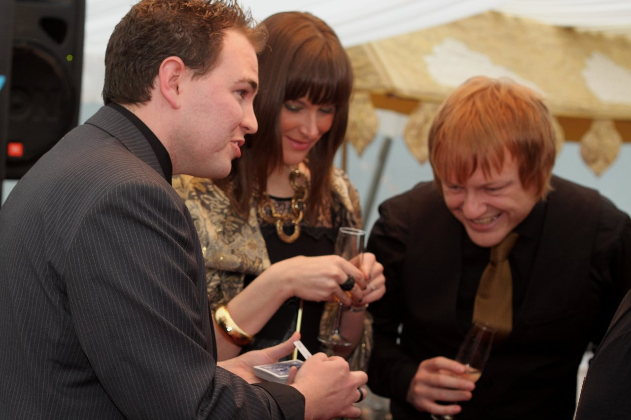 Black tie magician Ian Brennan