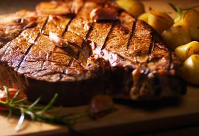 Fiorentina-Vlees-met-aard-kopie.jpg