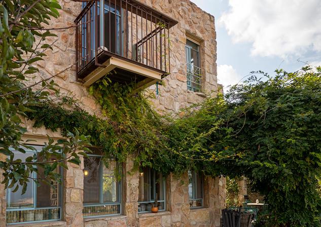 אדריכלית אלונה נבו סידי בית אבן טבעית אור טבעי
