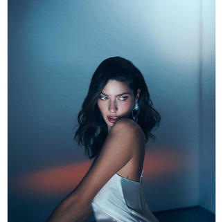 Model @angelinapirts Photographer @onurdemirdag