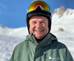 Koni, private ski instructor in the Davos-Klosters Mountains. He will improve your skiing and update