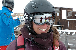 Gitty, private ski and snowboard instructor for Ben&Joe's, private ski and snowboarding lessons in the Davos-Klosters Mountains. Gitty is always in a good mood has a lot to tell and will make you a better skier and snowboarder. She has fun with kids and also enjoys teaching adults. Book Gitty for a private ski or snowboard lesson.