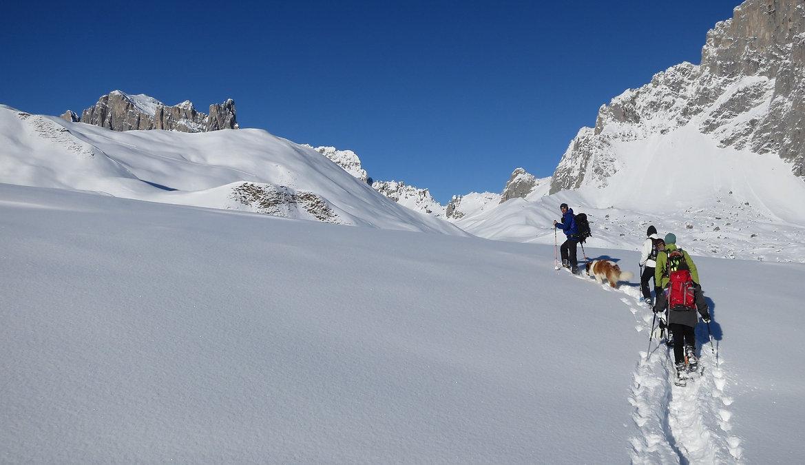 Schnee Schuh Touren im wunderschönen St. Antönien und um Klosters, Davos