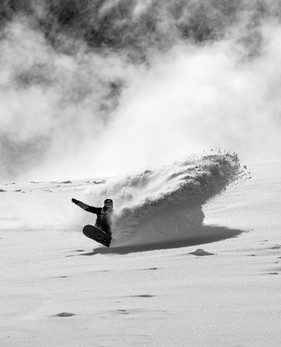 Take a snowboarding lesson in the Davos-Klosters Mountains!