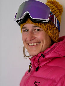 Martina, ski, snowboard and yoga instructor in Davos and Klosters and Contemplative Psychotherapist & Performance Psychologist, MA