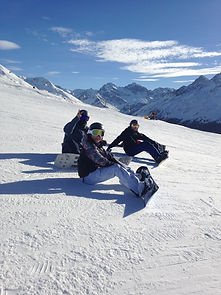 Small group 3 day firs time snowboarding lesson with Ben&Joe's, private ski and snowboarding lessons in Klosters and Davos with one of our experienced and qualified instructors. Book a semi-private group lesson (maximum of 3 people)