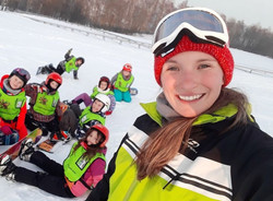 Barbora, ski and snowboard instructor in the Davos Klosters Mountains for kids and adults