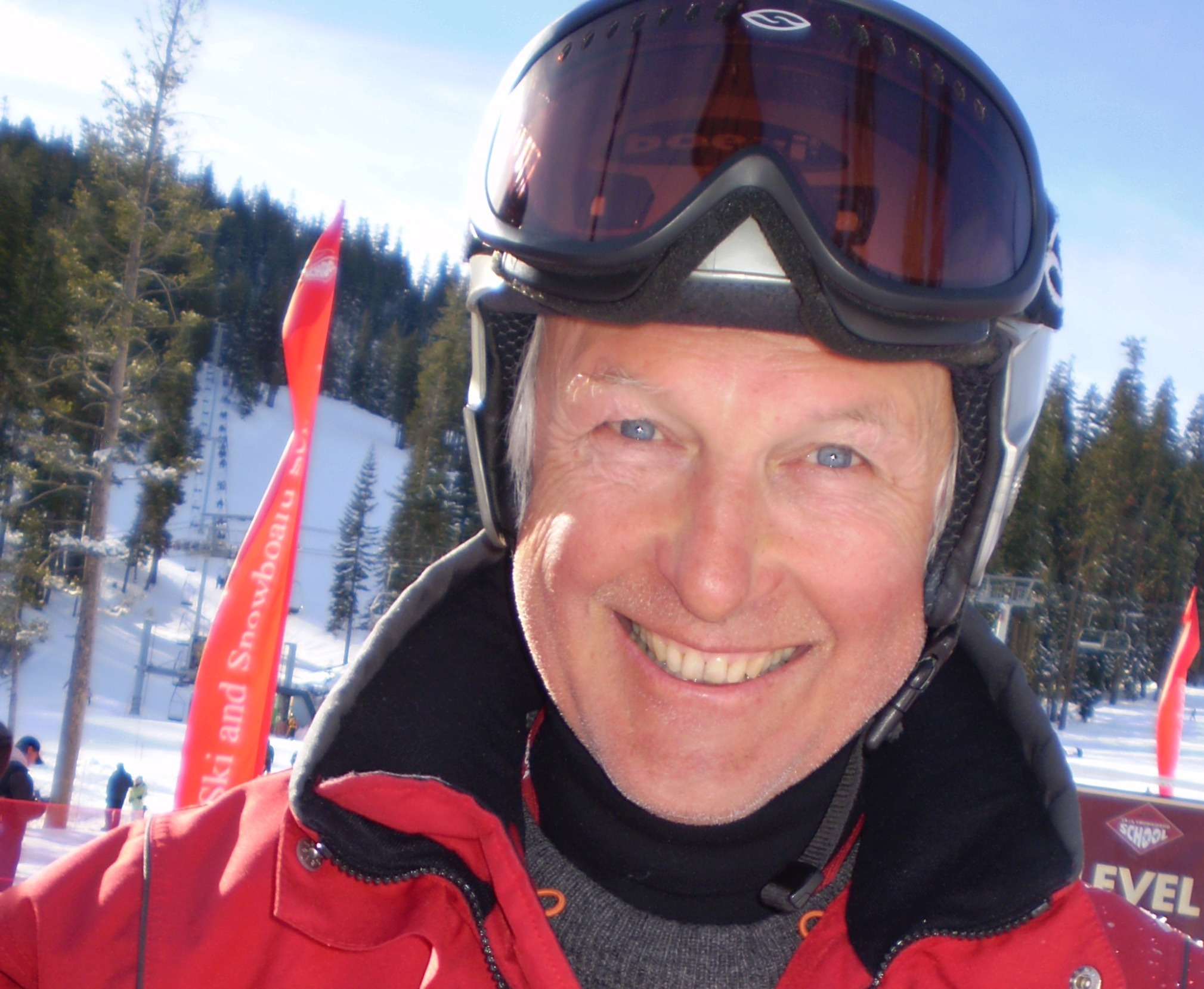 Lewis, private ski instructor for Ben&Joe's, ski school in Klosters and Davos is an Aussi!