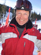 Lewis, privat Ski Lehrer für Ben&Joe's, private ski and snowboarding lessons in Klosters und Davos hat langjährige Unterrichts Erfahrung weltweit. Er kommt aus Australien und wird Ihr Ski fahren verbessern. Buchen Sie Lewis für eine private Ski Lektion in den wunderschönen Davos-Klosters Mountains!