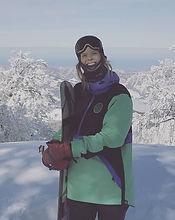 Charlotte, private Ski und Snowboard Lehrerin in Klosters und Davos für Ben&Joe's, private ski and snowboarding lessons hat viel Erfahrung im Ski und Snowboard Unterricht. Sie hat bereits in Oesterreich, Kanada, Neu Seeland und Japan gearbeitet. Ski und Snowboard Lektionen mit ihr machen Spass und man lernt was bei der Sache! Buchen Sie Charlotte für eine private ski oder snowboard Lektion in den wunderschönen Davos-Klosters Mountains!