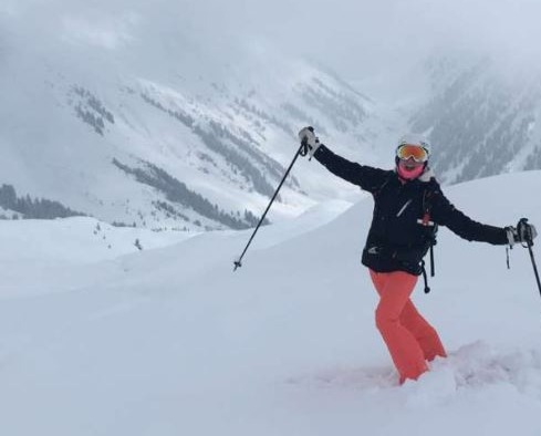 Iona, private ski Instructor for Ben&Joe's in Klosters and Davos loves improving your skills!