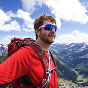 Fraser Private Ski Instructor for Ben&Joe's, ski school in Klosters and Davos on one of his many outdooradventures. Book a private ski lesson with Fraser! He is fun and you will learn lots!