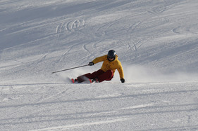 Jan, private ski and telemark instructor in the Davos-Klosters mountains can teach you how to carve on your skis.