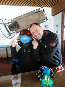 Gregor, private snowboard instructor for Ben&Joe's, ski school in Davos and Klosters has fun!