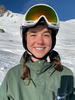 Iona Hindes, private Ski Lehrerin in den Klosters Davos Mountains.