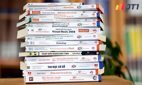 Top 7 cuốn sách lập trình viên nên có