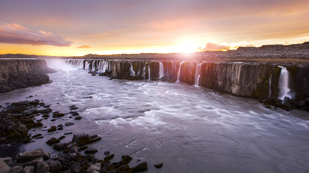 dettifoss-and-selfoss-as-photography-loc