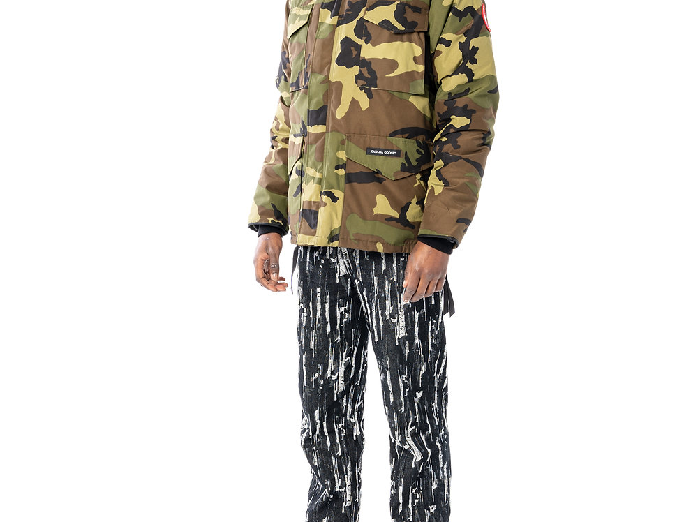 Canada Goose Constable Parka In Classic Camo front view