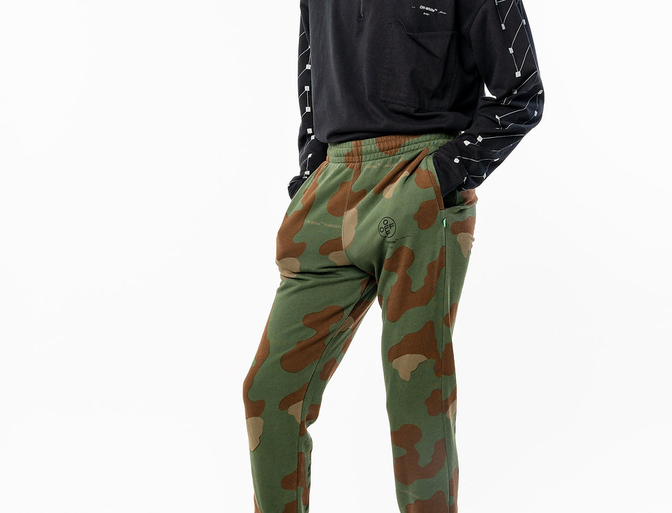 OFF-WHITE™️ AW20 Camo Sweatpants front view