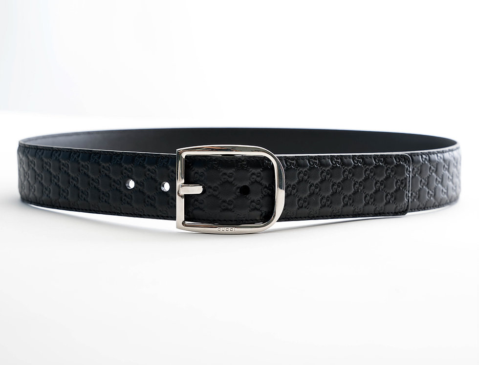 Gucci GG Embossed Leather Belt In Black