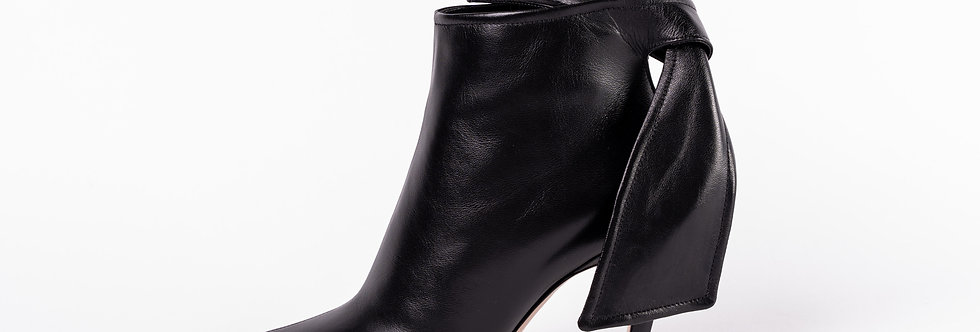 Dior Black Heeled Shoe side view