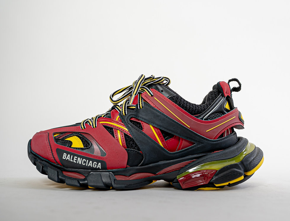 Balenciaga Track Runner in Red