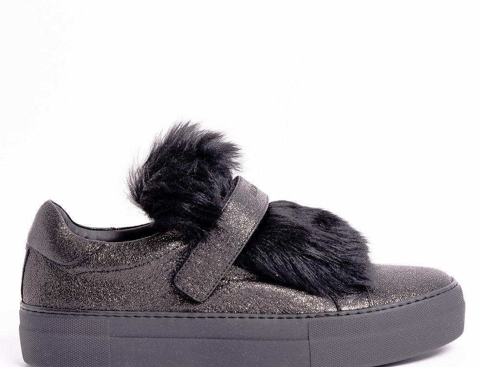 Moncler Victorie Sneakers In Black