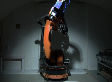 Light painting with our 7axis Kuka Robot!