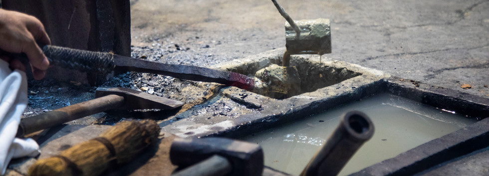 The Making of Damascus Steel (5)